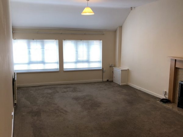 Large Lounge Area of House to Rent in Aintree, Liverpool